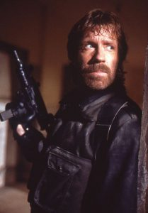 chuck_norris_the_delta_force_1986